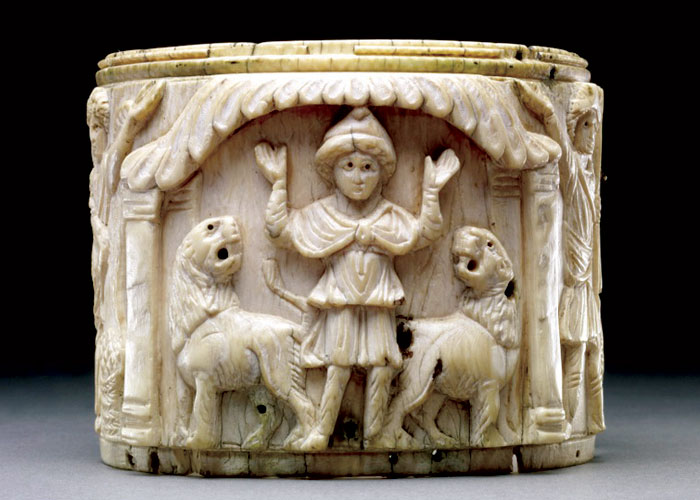 Ivory box depicting Daniel in prayer